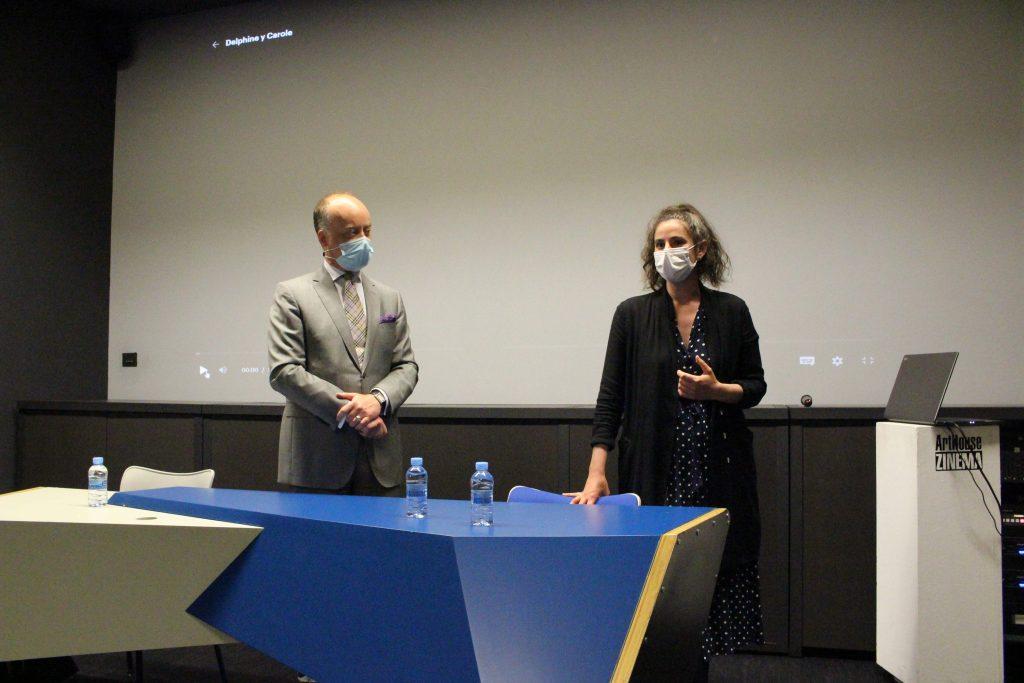 Edouard Mayoral, director del Institut Français de Bilbao, y Callisto McNulty, escritora, directora y traductora.