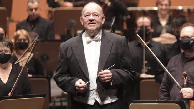 Marc Soustrot dirigió a la ROSS en el último concierto de año nuevo - Raúl Doblado